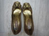 Отдается в дар женские туфли р40-41