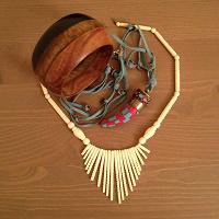 Отдается в дар Браслет и ожерелья