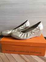 Отдается в дар Золотистые туфли Valleverde с ортопедическими ступинаторами, 35 размер