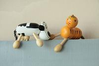 Отдается в дар Массажер-игрушка (корова и тигр)