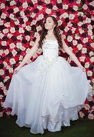 Отдается в дар Свадебное платье с золотой вышивкой