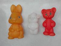 Отдается в дар Пластиковые игрушки
