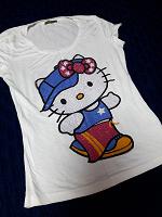 Отдается в дар Купальник, футболка Hello Kitty и ремень