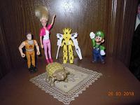 Отдается в дар Киндеры и мелкие игрушки, куколка