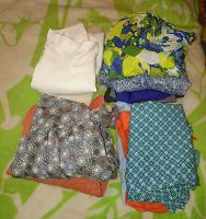 Отдается в дар Большой пакет одежды женской 42-44