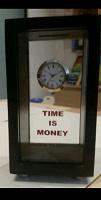 Отдается в дар Копилка с часами «Время — деньги»