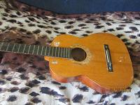 Отдается в дар Классическая гитара CREMONA чехословакия