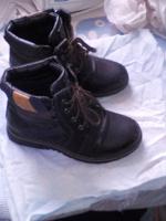 Отдается в дар Ботинки для мальчика 34 размер