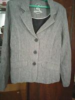 Отдается в дар Фирменный, очень оригинальный, льняной пиджак