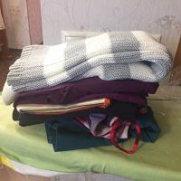 Отдается в дар Одежда 40-42