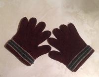 Отдается в дар перчатки на 3-4года