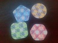 Отдается в дар Многоугольные и безугольные пластиковые жетоны