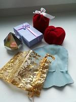 Отдается в дар Коробочки из-под украшений и сувениров