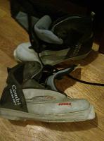 Отдается в дар Лыжные ботинки 33р. Реально на 31