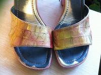Отдается в дар туфли босоножки