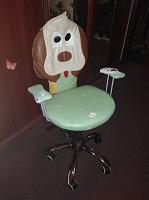 Отдается в дар Кресло на колесиках детское.