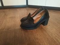 Отдается в дар туфли женские 38-39