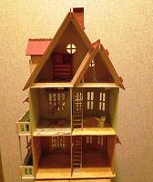 Отдается в дар Кукольный дом, деревянный, 3 этажа