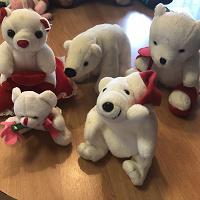 Отдается в дар Белые медведи без велосипеда )