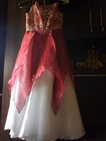 Отдается в дар Платье праздничное на девочку 7-8-9 лет