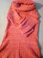 Отдается в дар свитер с