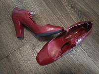 Отдается в дар туфли красные размер 39 на каблуке