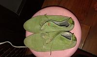 Отдается в дар Замшевые зеленые ботиночки