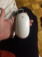 Отдается в дар Оригинальная мышка фирмы Apple