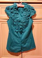 Отдается в дар Голубая блуза с рюшами