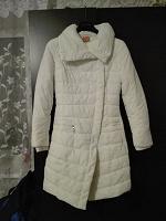 Отдается в дар Осенне-зимняя куртка белого цвета