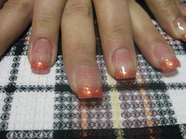 Наращу ногти
