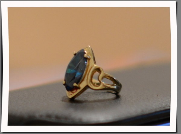 Кольцо серебрянное с позолотой с массивным камнем